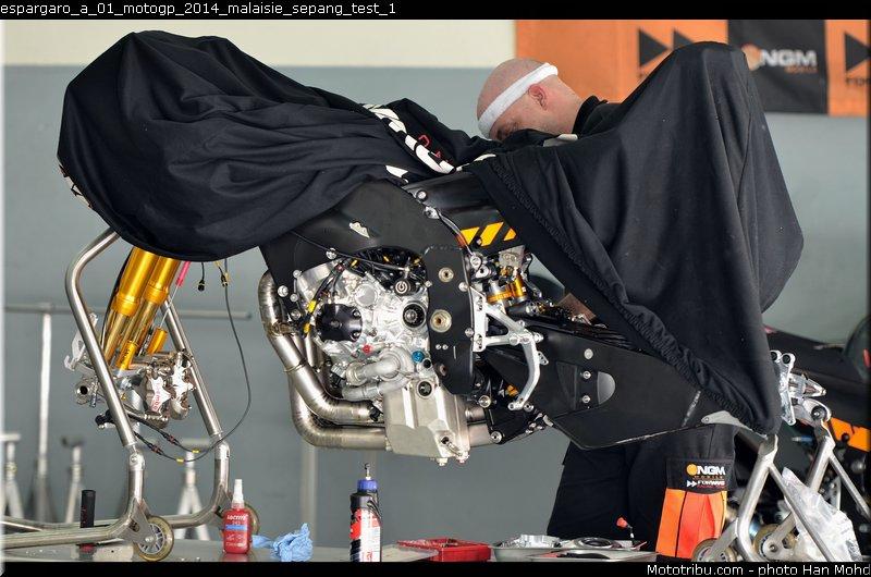 le Moto GP en PHOTOS - Page 3 Espargaro_a_01_motogp_2014_malaisie_sepang_test_1